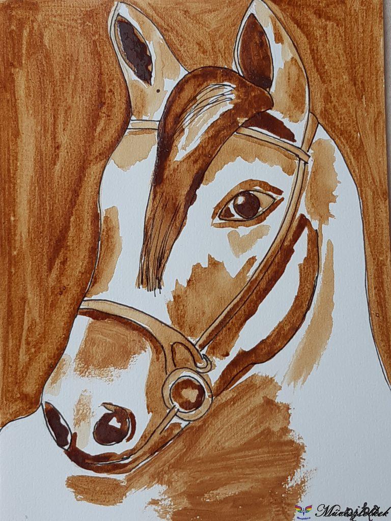 Ló kávéval festve